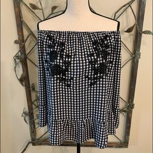 BoHo elastic neck checked top w/ embroidery sz L